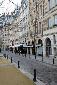 English Rose In Paris  Place Dauphine 2